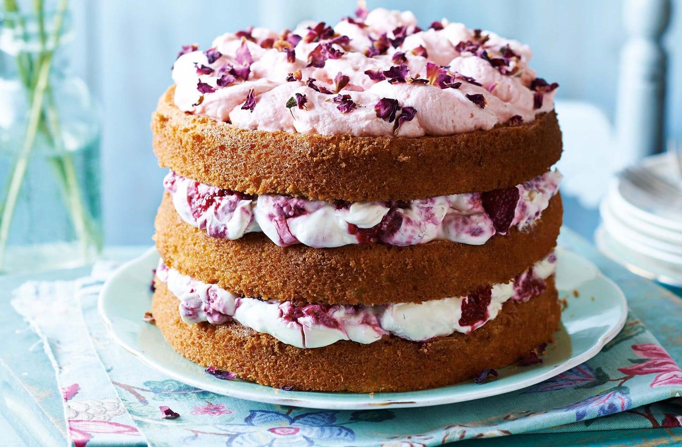 Tesco Mothers Day Raspberry Cake24273 LH 2e54800d 8d04 4bd3 a826 fcb02b1cbc15 0 1400x919